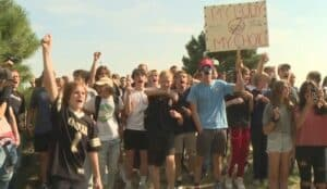 High School Kids in Colorado Walk Out of Multiple Schools After Refusing to Comply With Mask Mandate (VIDEOS)