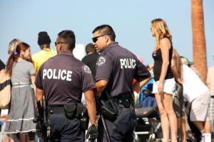 Los Angeles Police Sue Over COVID-19 Vaccine Mandate