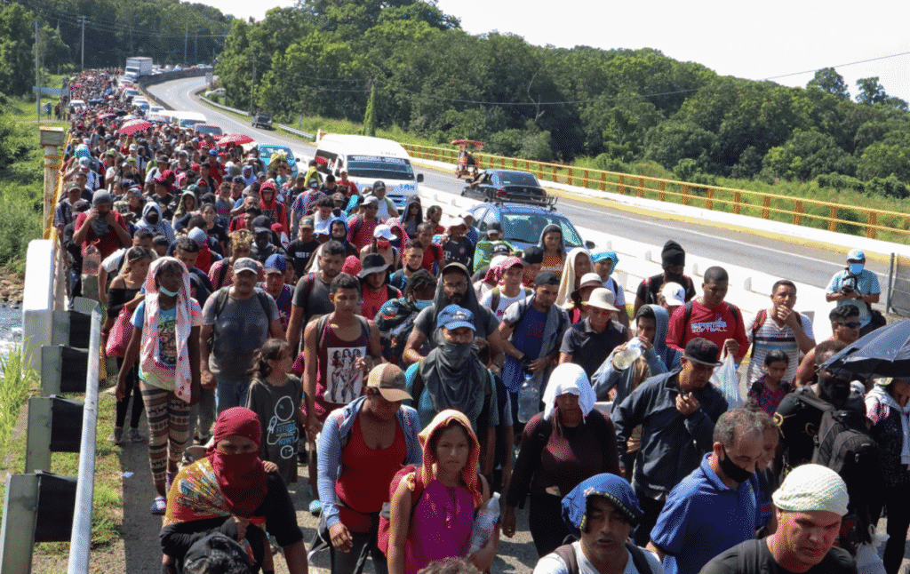 Migrant Caravan En Route to US Southern Border Pushes Past Mexican Border Forces