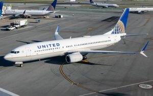United Airlines to Fire Over 200 Unvaccinated Employees